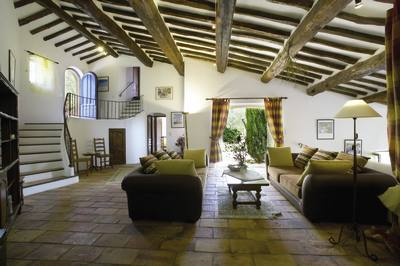 Image of lounge area - Villa Charmante - Provence