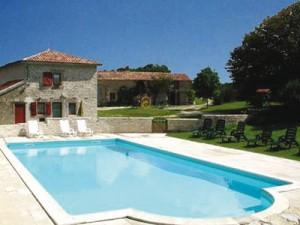 Pool at Pegon gites - Poitou Charentes