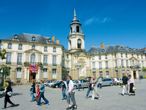 Rennes' town hall square