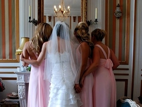 A bride and bridesmaids at Chateau le Val in Normandy